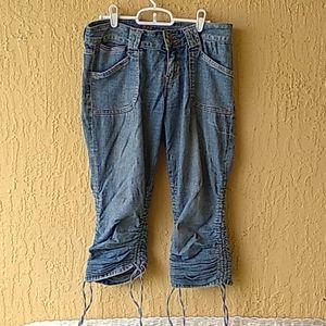 Bubblegum scrunch Capri shorts Sz 9/10